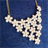 Fashion jewellery for women and girls at pocket friendly prices by Fashionsttop